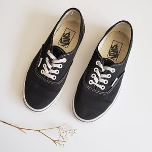 Vans Authentic Lace-Up Low Tops Black/White 6.5